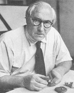 Biographies: Louis Leakey